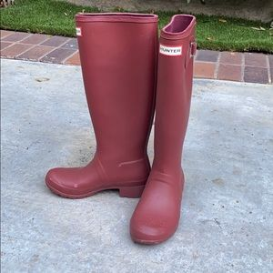 Hunter Red Knee-High Rain Boots - US size 5